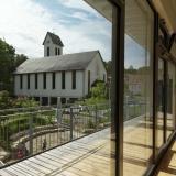 Blick auf die Kirche aus dem Seminarraum